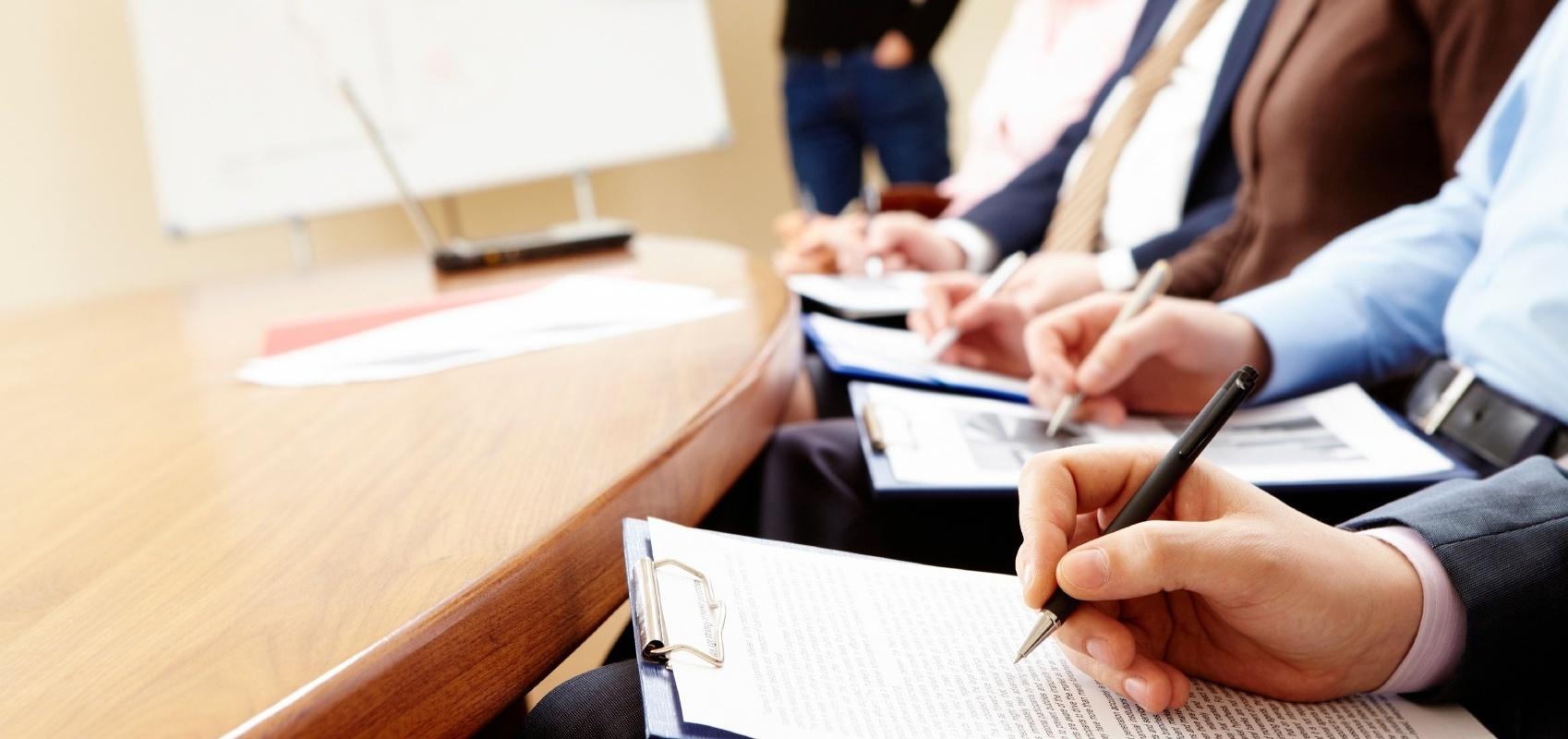 Business-seminar-346092-edited.jpg